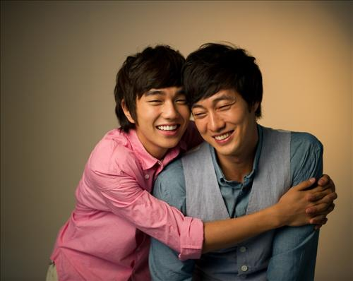 So Ji Sub and Yoo Seung Ho Bring the Cute with New CF