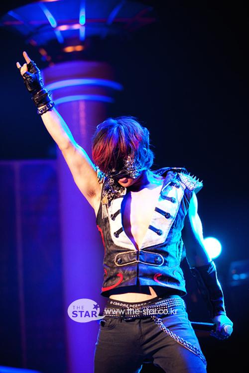 Kpop Shot: Rock the Devil Horns Dae!