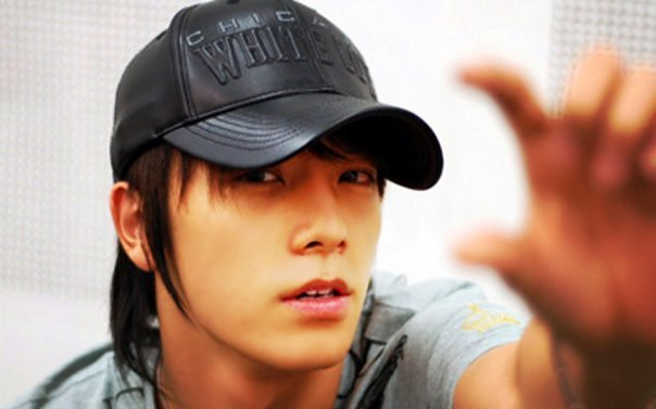 Donghae confirmed for drama lead alongside CNBLUE's Minhyuk