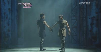 Music Bank: 1/7/2011