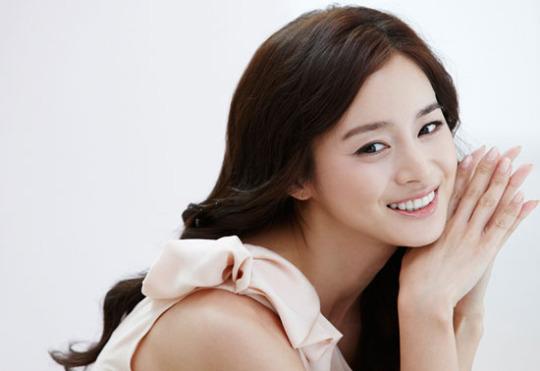 http://seoulbeats.com/wp-content/uploads/2011/10/20111016_seoulbeats_kimtaehee.jpg