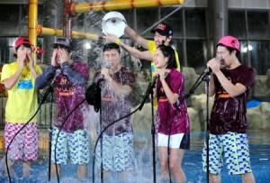20120425_seoulbeats_runningman_waterbuckets