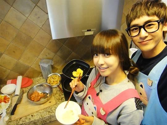 20120517_seoulbeats_2pm_nichkhun_fx_victoria2