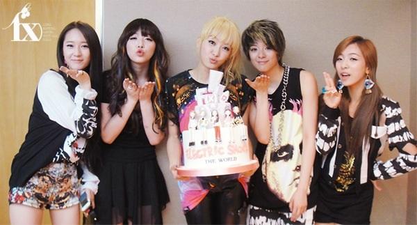 http://seoulbeats.com/wp-content/uploads/2012/06/20120615_seoulbeats_fx_electric_shock_cake.jpg