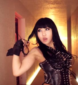 20121002_seoulbeats_2ne1_minzy