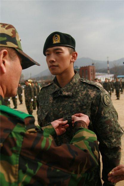 20121019_seoulbeats_Rain_army