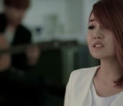 "Just Listen to Younha's ""Just Listen"""