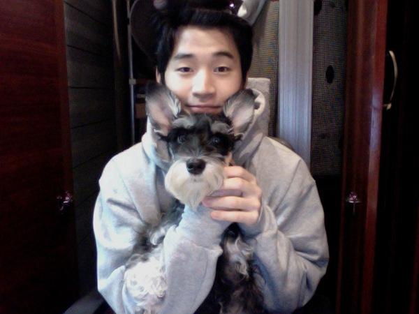 20130601_seoulbeats_suju_m_henry_dog