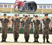 "A Wide Spectrum: ""Real Men"" and Reality-Variety Television"