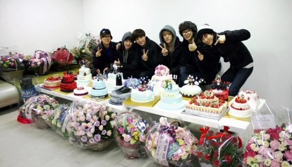To Idol With Love K Pop S Gift Economy