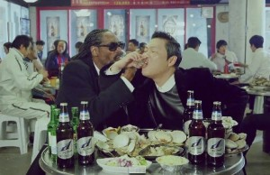 20140609_seoulbeats_psy_snoopdogg_snooplion_hangover_soju_loveshot_productplacement