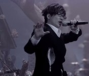 "Seo Tai-ji Challenges Rules in ""Christmalo.win"""