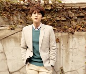 "Kyuhyun Debuts with the Formulaic but Stunning ""At Gwanghwamun"""