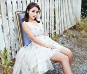 Spotlight: Hong Jin-young, Sweetly Spicy with Tunes of Old