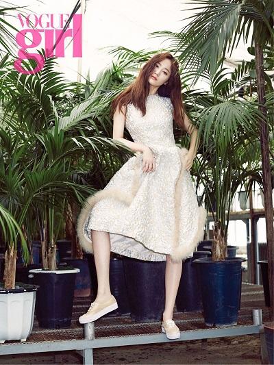 20150429_seoulbeats_fx_krystal_voguegirl