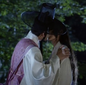 20150707_seoulbeats_orangemarmalade_kiss