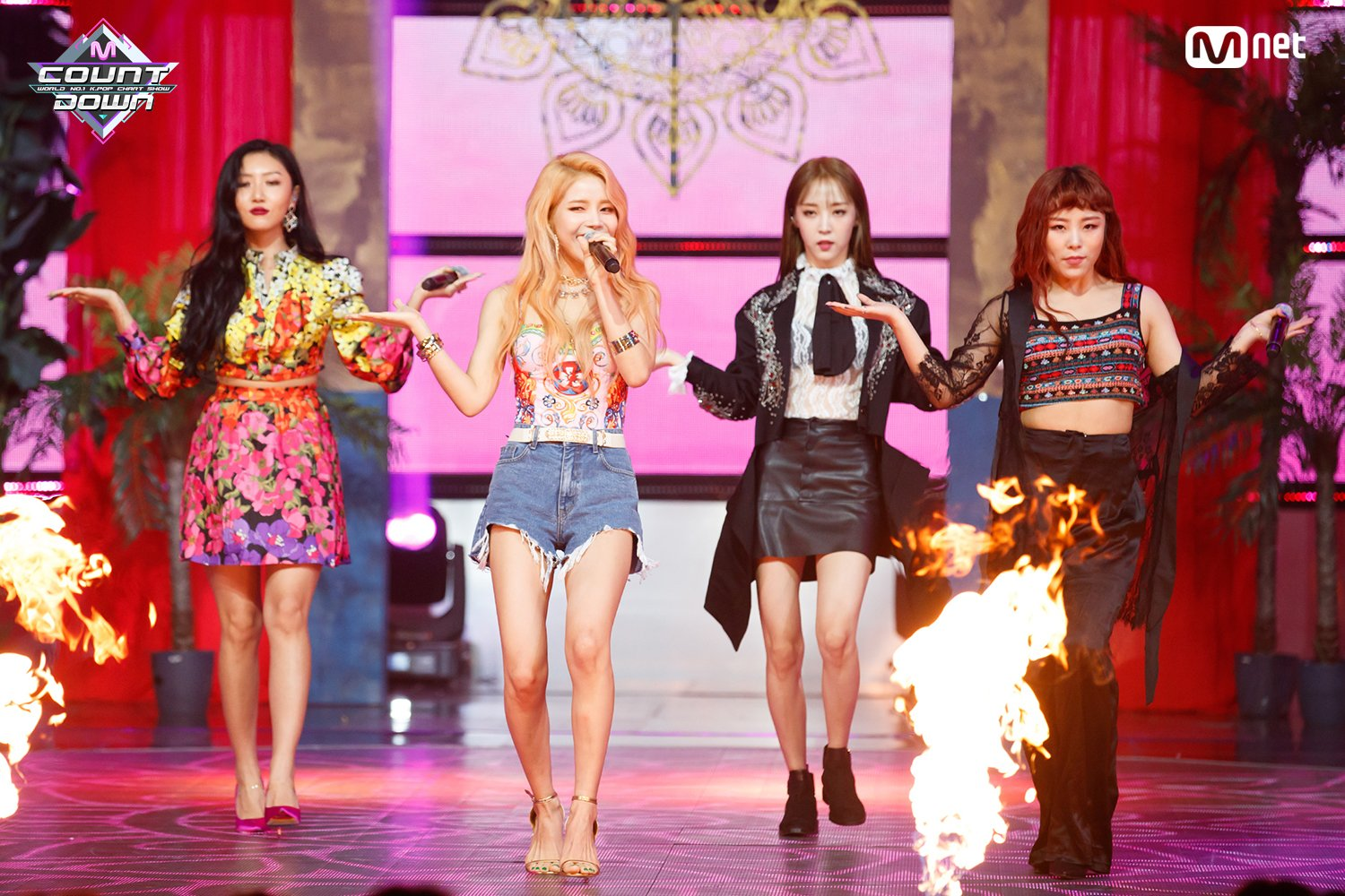 """Mamamoo's """"Red Moon"""" (Almost) Fires Up Your Summer – Seoulbeats"""
