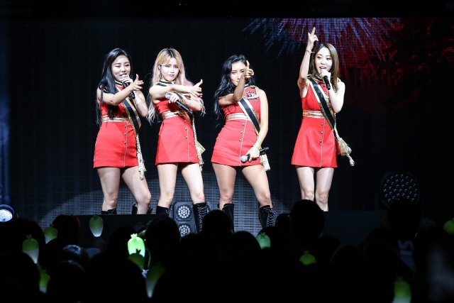 This image has an empty alt attribute; its file name is 20181124_seoulbeats_mamamoo.jpg