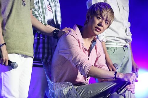 Idol Injuries Hurt More Than The Body Seoulbeats