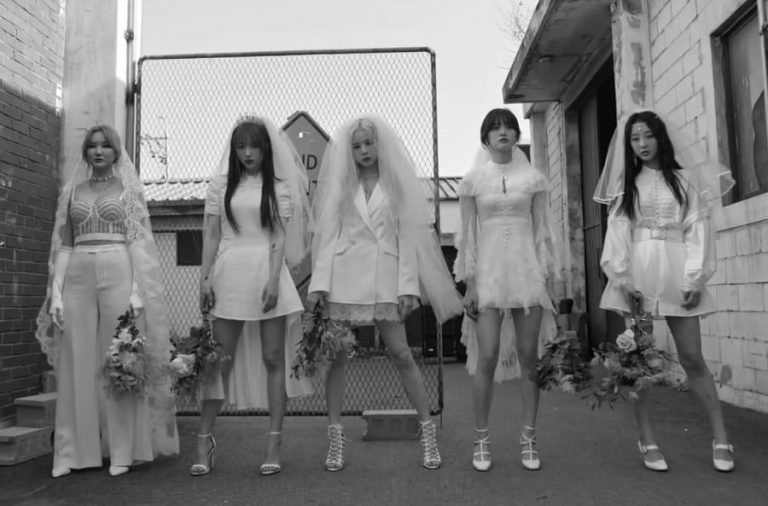 """EXID Hits Some and Misses More with """"Me & You"""" – Seoulbeats"""